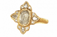 Alternative raw diamond engagement ring