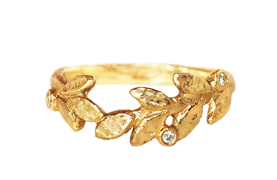 Unique leafs ring in gold