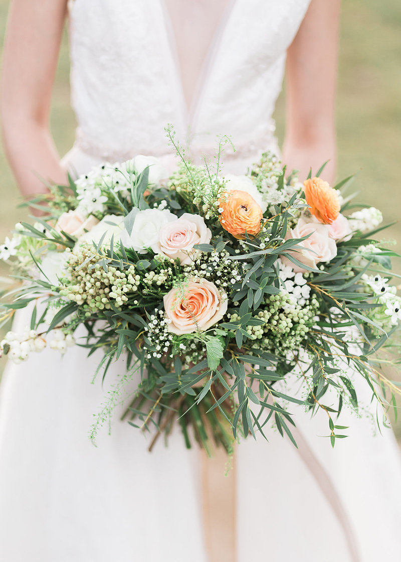 Romantic spring wedding style