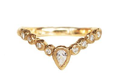diamond tiara gold wedding band
