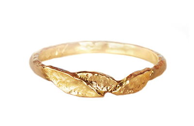 gold wedding band with leaves